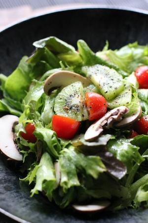 3種のレタスのサラダ